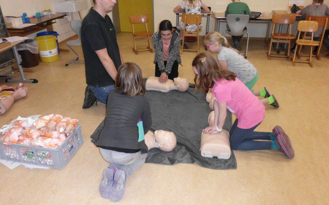 Erste-Hilfe-Kurs mit der Sanitätsschule Oliver Blake