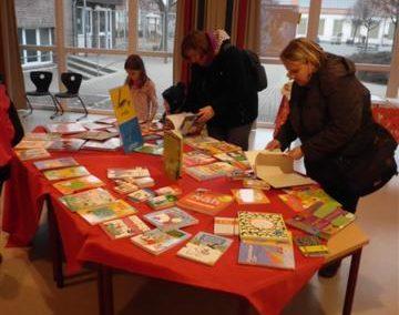 2012 Bücherausstellung / Leseraum